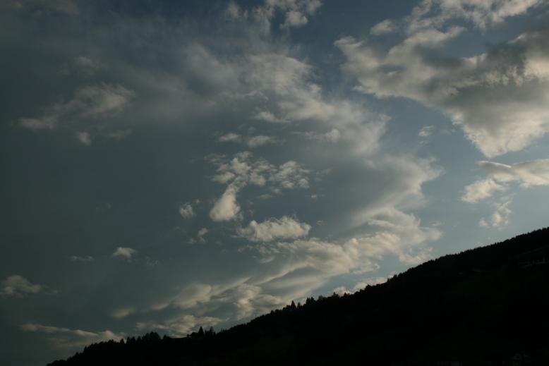 http://www.wetterfaszination.de/Bilder/2009/Juli/20090705-03.JPG